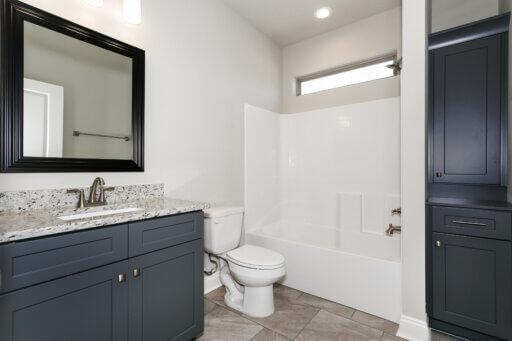 Ramsey Walker Medlin 2327 Floor Plan-Upstairs Bathroom